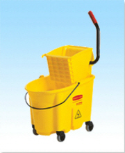 Rubbermaid Wavebrake Bucket w/ Side Press Wringer Yellow 35 QT